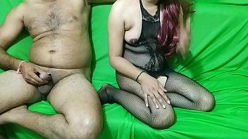 हॉट इंडियन गर्ल आधी रात की चुदाई