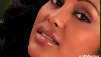 भारतीय सोलो लड़की