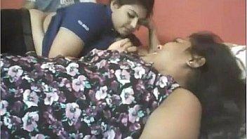 दो लड़कियां एक लड़का भारतीय