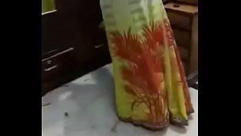 भारतीय भाभी को एक बड़ा लंड चाहिए